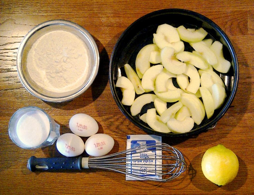 Рецепт - Динина шарлотка с яблоками - ингредиенты
