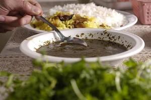 Хорешт сабзи - подается с белым рисом