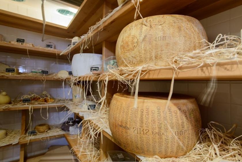 Сырная комната в Vino&Cucina
